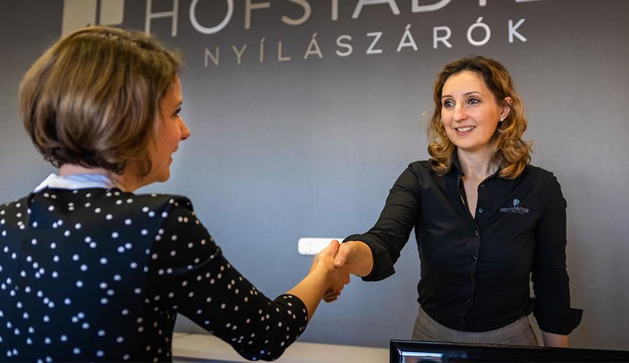 Jöjjön el bemutatótermeink egyikébe - Hofstädter Nyílászárók Kapcsolat